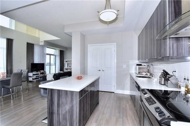 Condo Apartment at 8763 Bayview Ave, Unit 723, Richmond Hill, Ontario. Image 17