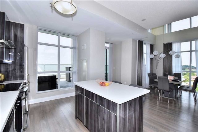 Condo Apartment at 8763 Bayview Ave, Unit 723, Richmond Hill, Ontario. Image 18