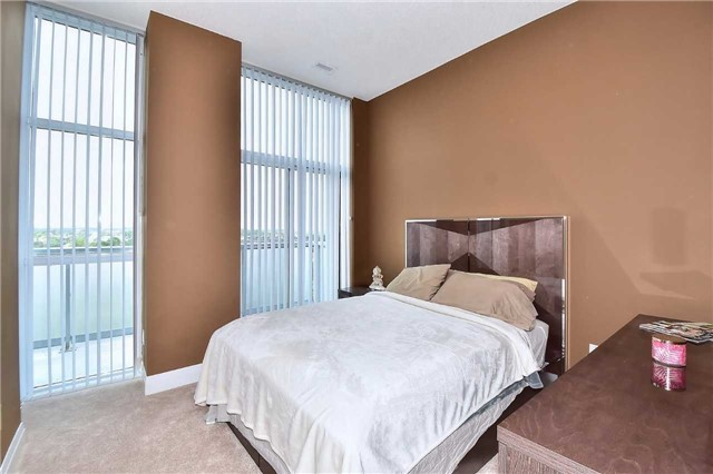 Condo Apartment at 8763 Bayview Ave, Unit 723, Richmond Hill, Ontario. Image 5