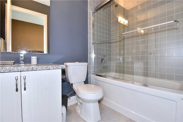 Condo Apartment at 8763 Bayview Ave, Unit 723, Richmond Hill, Ontario. Image 7