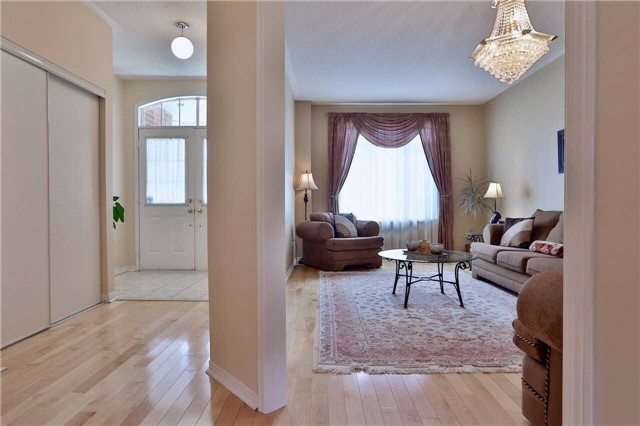 Townhouse at 474 The Bridle Walk Ave, Markham, Ontario. Image 14
