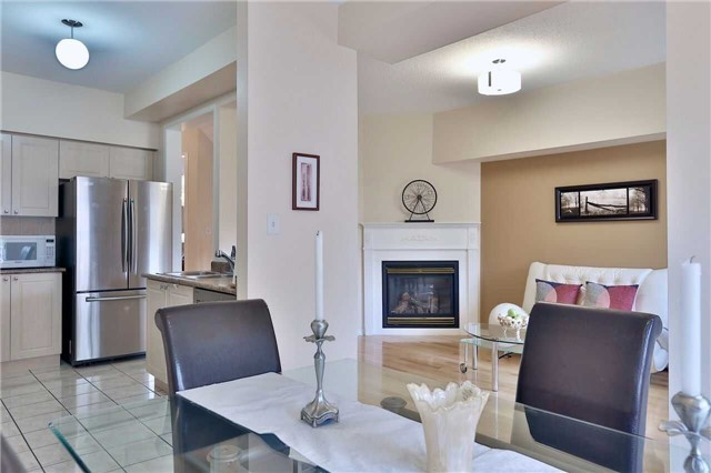 Townhouse at 474 The Bridle Walk Ave, Markham, Ontario. Image 20