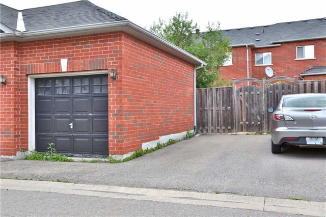 Townhouse at 474 The Bridle Walk Ave, Markham, Ontario. Image 11