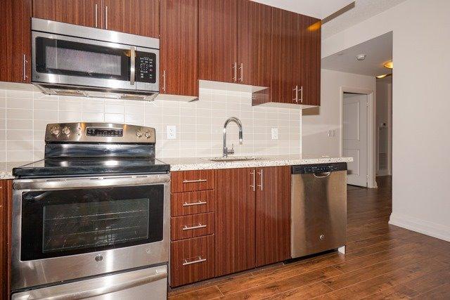 Condo Apartment at 7171 Yonge St, Unit 2608, Markham, Ontario. Image 18