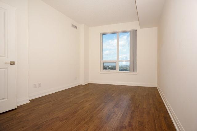 Condo Apartment at 7171 Yonge St, Unit 2608, Markham, Ontario. Image 2