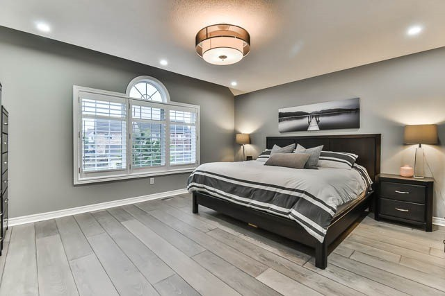Detached at 275 Country Glen Rd, Markham, Ontario. Image 2