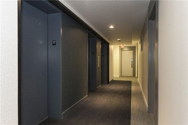 Condo Apartment at 55 Oneida Cres, Unit 1707, Richmond Hill, Ontario. Image 9