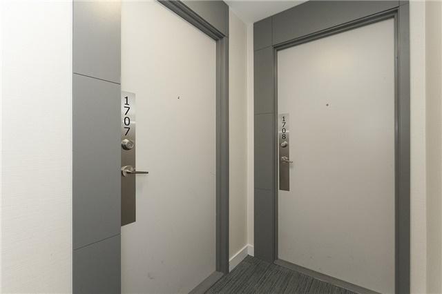 Condo Apartment at 55 Oneida Cres, Unit 1707, Richmond Hill, Ontario. Image 10