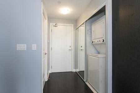 Condo Apartment at 55 Oneida Cres, Unit 1707, Richmond Hill, Ontario. Image 11