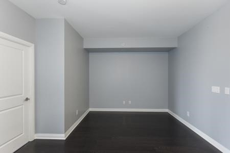 Condo Apartment at 55 Oneida Cres, Unit 1707, Richmond Hill, Ontario. Image 12