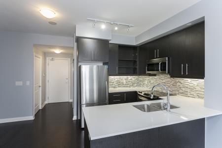 Condo Apartment at 55 Oneida Cres, Unit 1707, Richmond Hill, Ontario. Image 14