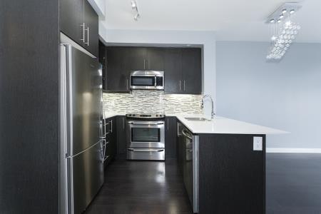 Condo Apartment at 55 Oneida Cres, Unit 1707, Richmond Hill, Ontario. Image 15