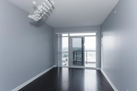 Condo Apartment at 55 Oneida Cres, Unit 1707, Richmond Hill, Ontario. Image 2
