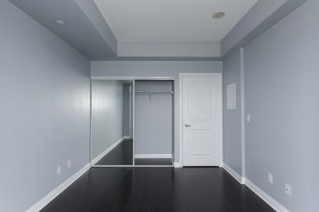 Condo Apartment at 55 Oneida Cres, Unit 1707, Richmond Hill, Ontario. Image 4