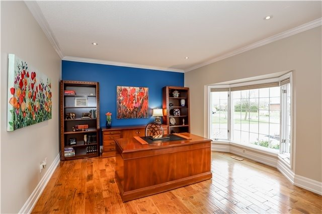 Detached at 15 Willow Wood Pl, East Gwillimbury, Ontario. Image 14