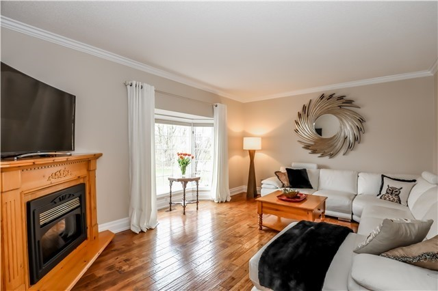 Detached at 15 Willow Wood Pl, East Gwillimbury, Ontario. Image 15