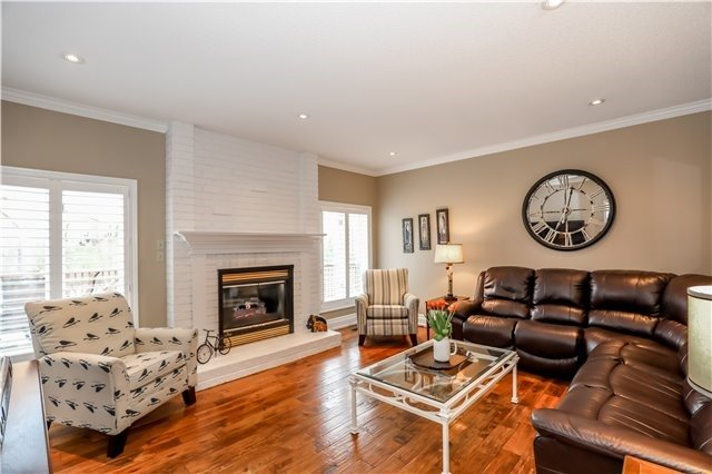 Detached at 15 Willow Wood Pl, East Gwillimbury, Ontario. Image 17
