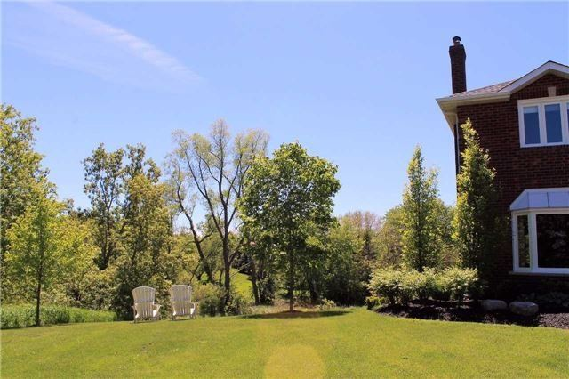 Detached at 15 Willow Wood Pl, East Gwillimbury, Ontario. Image 10