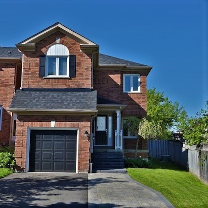 Townhouse at 6 Fife Rd, Aurora, Ontario. Image 1