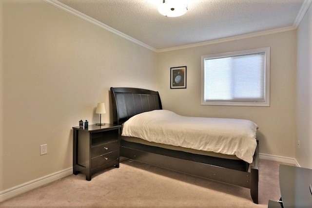 Townhouse at 6 Fife Rd, Aurora, Ontario. Image 7