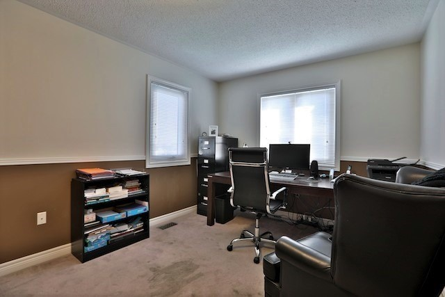 Townhouse at 6 Fife Rd, Aurora, Ontario. Image 8