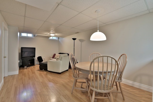 Townhouse at 6 Fife Rd, Aurora, Ontario. Image 11