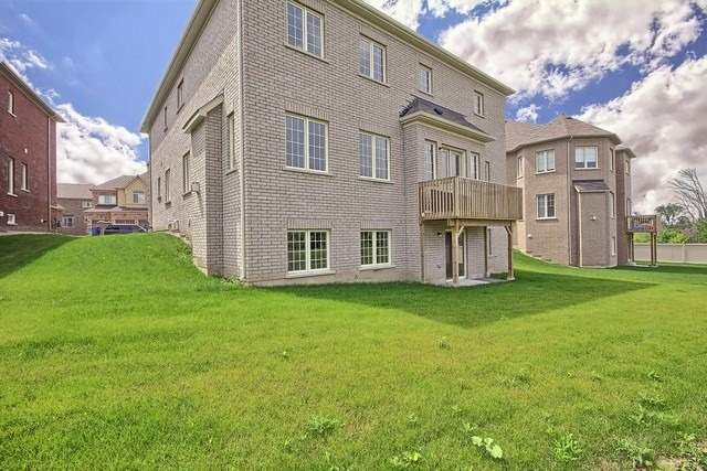 Detached at 24 Paradise Valley Tr, King, Ontario. Image 11