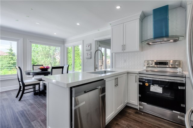 Detached at 28 Fern Valley Cres, Richmond Hill, Ontario. Image 17