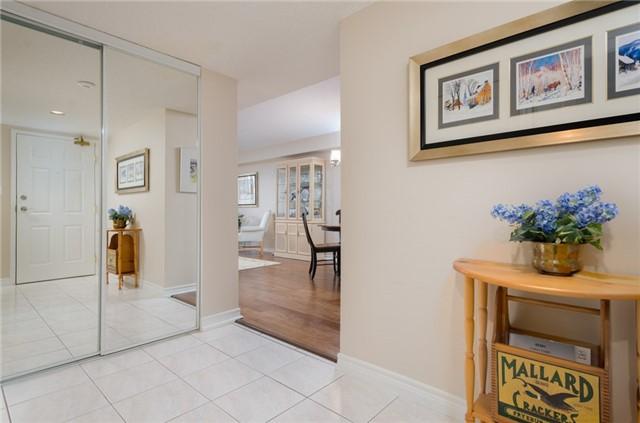 Condo Apartment at 121 Woodbridge Ave, Unit 304, Vaughan, Ontario. Image 12