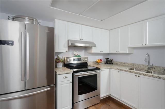 Condo Apartment at 121 Woodbridge Ave, Unit 304, Vaughan, Ontario. Image 17