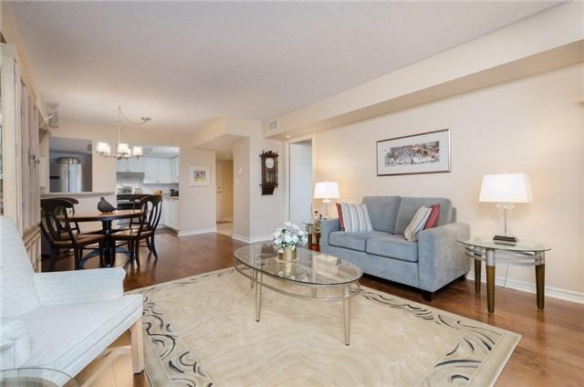 Condo Apartment at 121 Woodbridge Ave, Unit 304, Vaughan, Ontario. Image 4