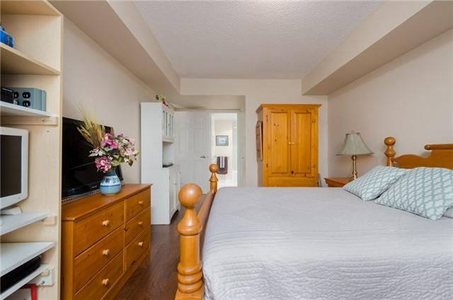 Condo Apartment at 121 Woodbridge Ave, Unit 304, Vaughan, Ontario. Image 6