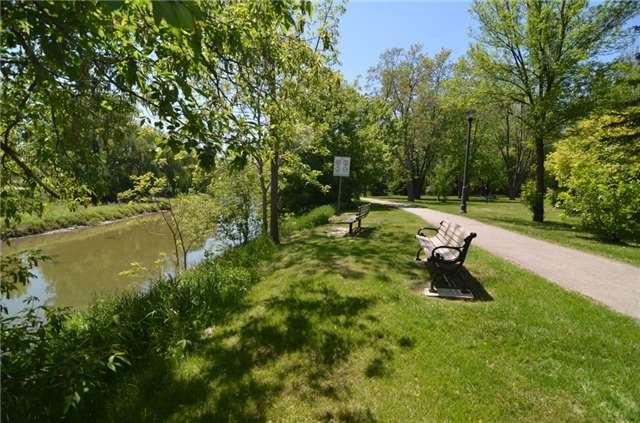 Condo Apartment at 121 Woodbridge Ave, Unit 304, Vaughan, Ontario. Image 13