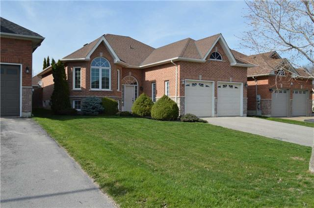 Detached at 4 Ivygreen Rd, Georgina, Ontario. Image 1