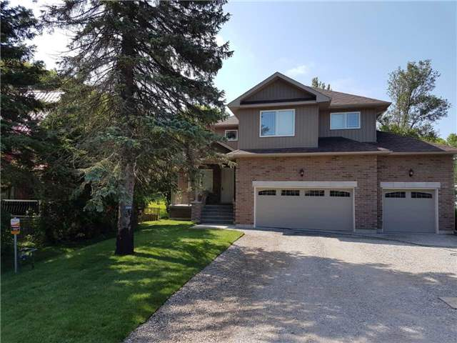 Detached at 2305 4th Line, Innisfil, Ontario. Image 1