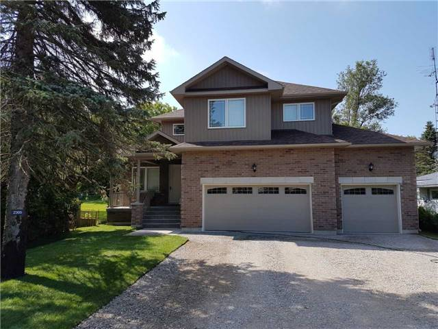Detached at 2305 4th Line, Innisfil, Ontario. Image 12