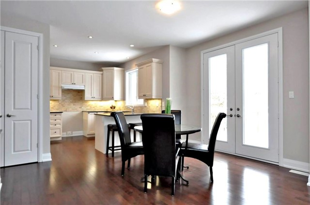 Detached at 2305 4th Line, Innisfil, Ontario. Image 2