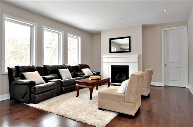 Detached at 2305 4th Line, Innisfil, Ontario. Image 4