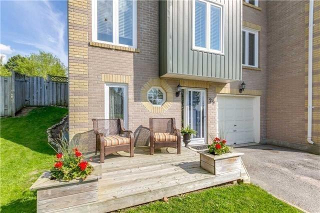 Semi-detached at 29 Annamaria Dr, Georgina, Ontario. Image 12