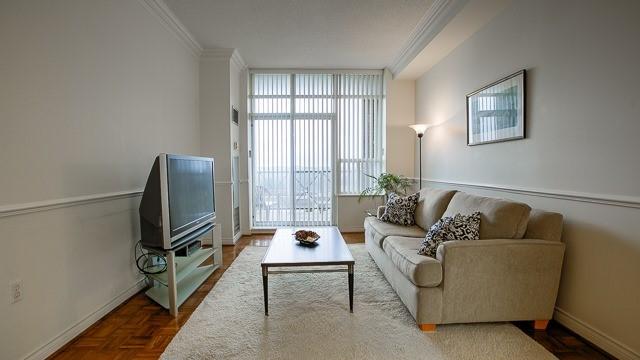 Condo Apartment at 2200 John St, Unit 611, Markham, Ontario. Image 11