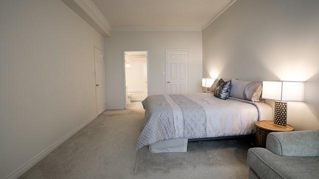 Condo Apartment at 2200 John St, Unit 611, Markham, Ontario. Image 2