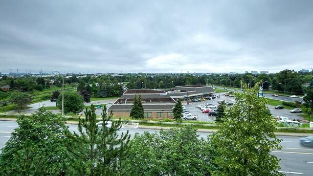 Condo Apartment at 2200 John St, Unit 611, Markham, Ontario. Image 7