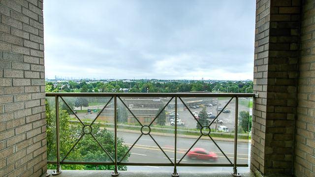 Condo Apartment at 2200 John St, Unit 611, Markham, Ontario. Image 8