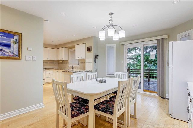 Detached at 70 Pickett Cres, Richmond Hill, Ontario. Image 18