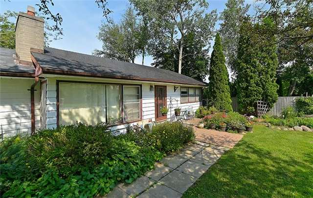 Detached at 292 Barrie St, Bradford West Gwillimbury, Ontario. Image 18