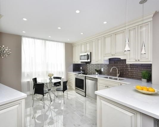 Condo Apartment at 333 Clark Ave W, Unit 717, Vaughan, Ontario. Image 2