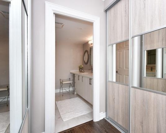 Condo Apartment at 333 Clark Ave W, Unit 717, Vaughan, Ontario. Image 6