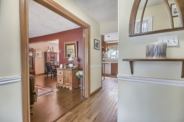 Detached at 27 Penwick Cres, Richmond Hill, Ontario. Image 16