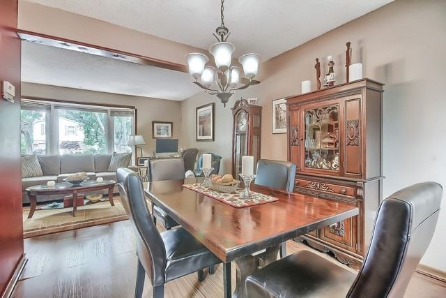 Detached at 27 Penwick Cres, Richmond Hill, Ontario. Image 19