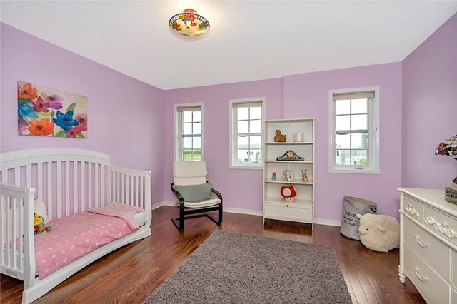 Townhouse at 182 Bantry Ave, Richmond Hill, Ontario. Image 2